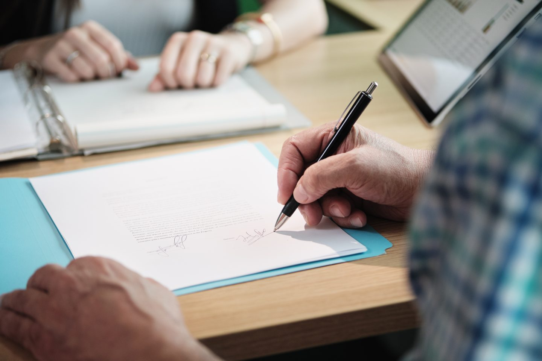 4 Major Benefits of Hiring Professional Tax Preparation Services